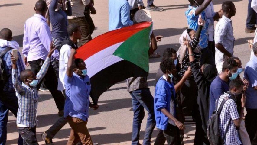 استمرار العصيان المدني في السودان لليوم الثالث.. فيديو وصور