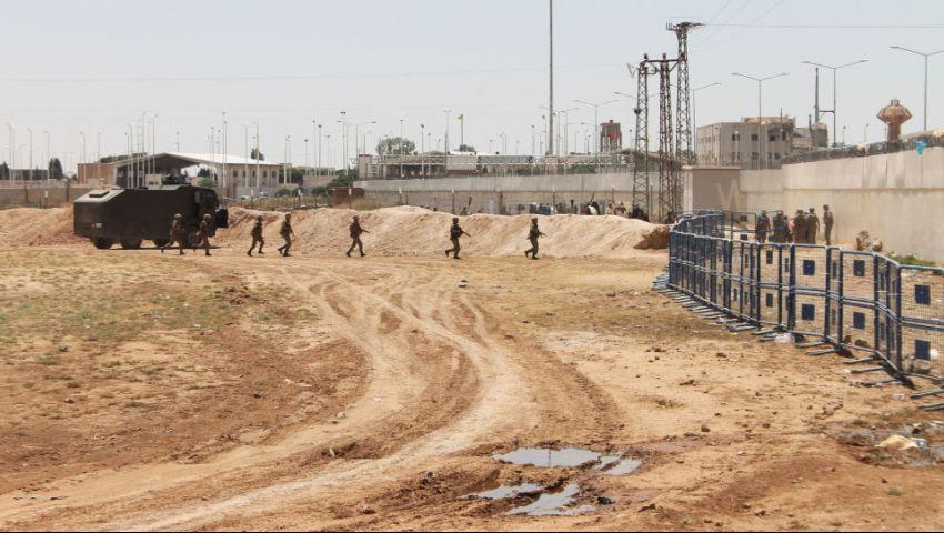 سوريا.. القوات الحكومية تقيم 15 نقطة على الحدود مع تركيا
