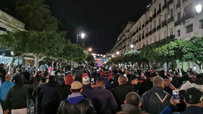 في رئاسيات الجزائر.. المسيرات الليلية تتحدى نداء صالح للـ«مخلصين»
