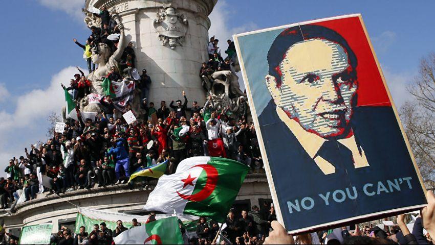 الجزائر.. الحزب الحاكم يتخلى عن مؤتمر الحوار ويطالب بانتخابات رئاسية