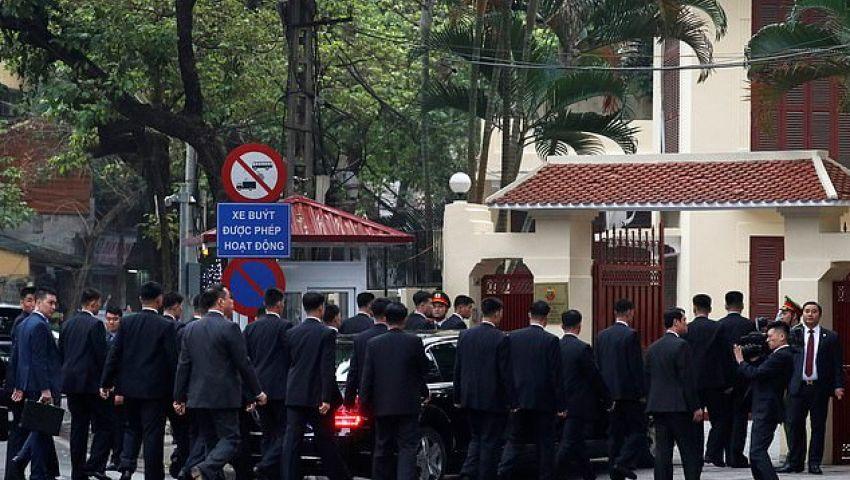 بالفيديو| جيش من الحرس الخاص لتأمين كيم في فيتنام