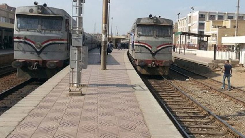 «يعاملون معاملة المواطنين».. إلغاء تصاريح السفر المجانية للعاملين بالسكة الحديد
