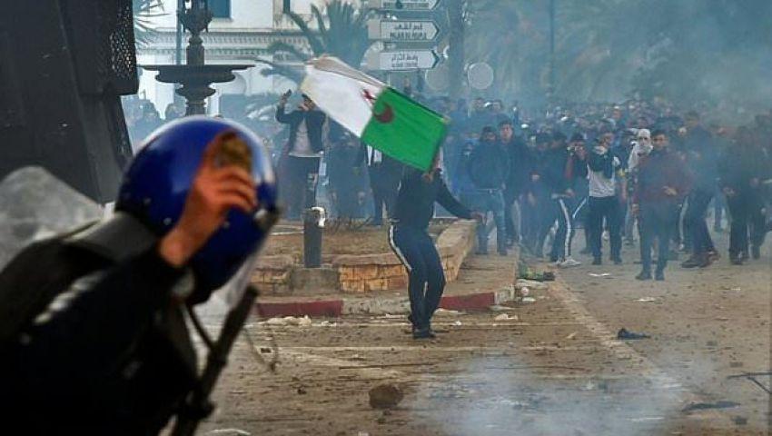 الفرنسية: تظاهرات الجزائر لن تمنع بوتفليقة من الترشح للعهدة الخامسة