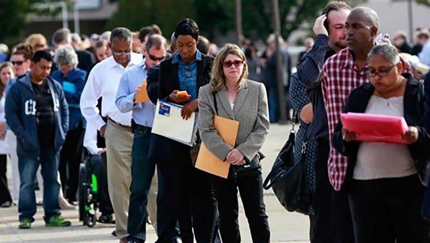 بسبب كورونا.. نصف سكان الولايات المتحدة  بدون عمل