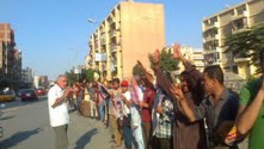 فيديو.. سلاسل بشرية لمؤيدي مرسي بالطبول والأوانى المعدنية