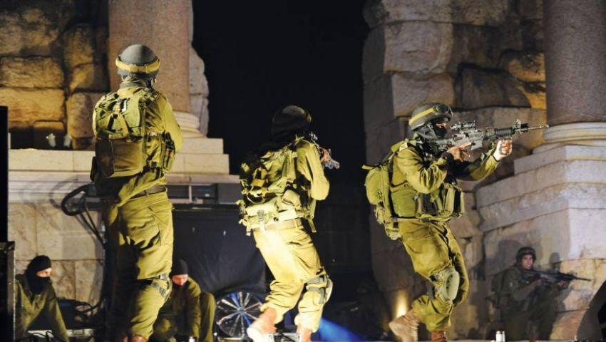 اعتقالات وإطلاق رصاص وقنابل إنارة.. ماذا يحدث في فلسطين؟