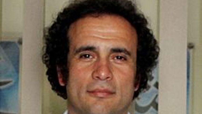 عمرو حمزاوي يعتزل الحياة السياسية