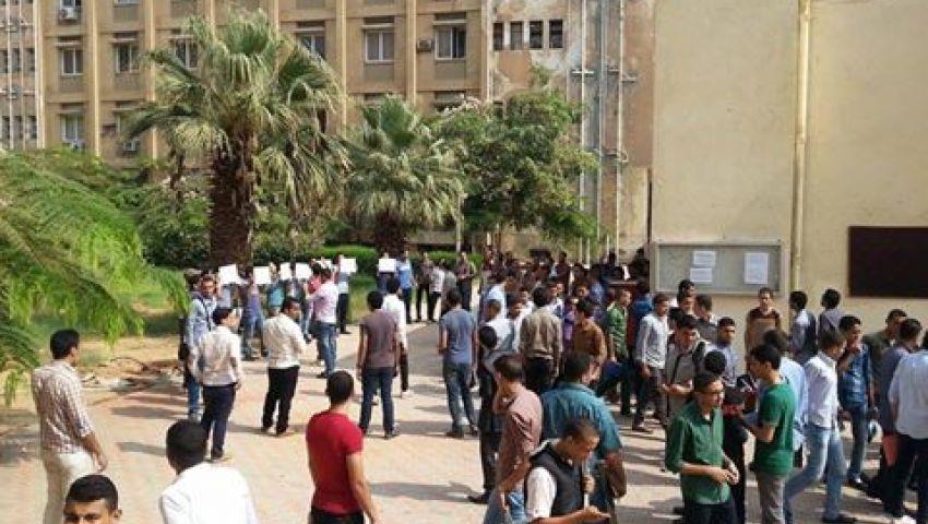 طلاب الأزهر يعاودون التظاهر مرة أخرى أمام كلية الزراعة