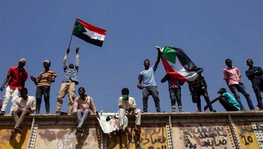 صحيفة أمريكية: بعد تصريحات قادة المجلس العسكري.. السودانيون يخشون القادم