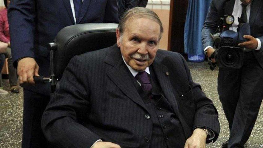«لا للعهدة الخامسة».. جزائريون ينتفضون ضد ترشح بوتفليقة لولاية جديدة