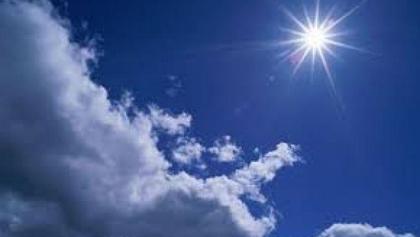 «مشمس ودافئ».. الأرصاد تعلن تفاصيل طقس الجمعة