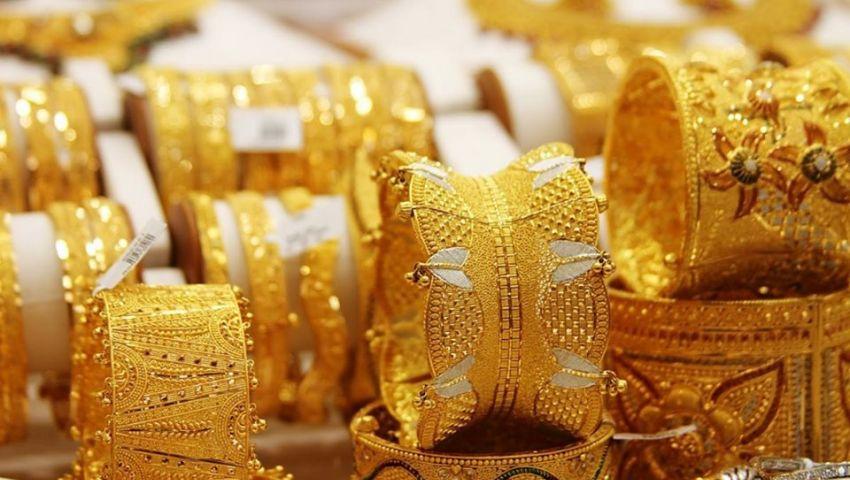 فيديو| الذهب يحقق أكبر مكاسبه بقفزات تاريخية.. وخبراء يوضحون الأسباب