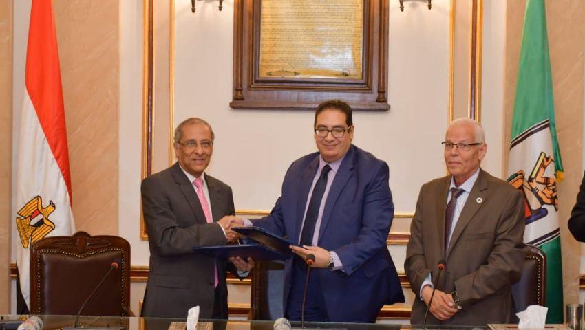 تفاصيل التعاون بين جامعة القاهرة ووكالة الفضاء المصرية