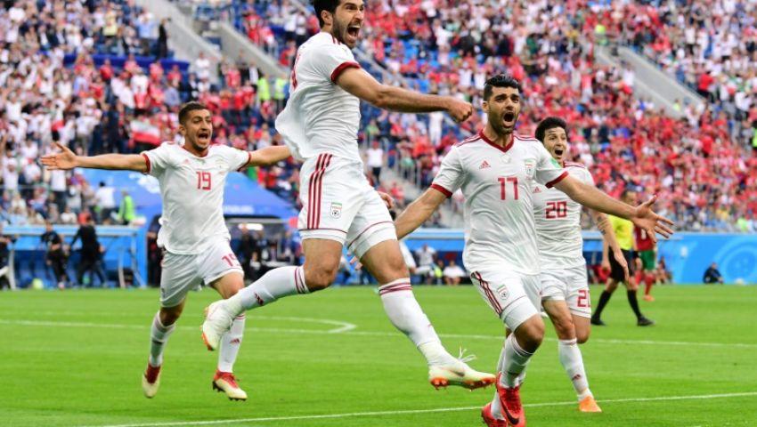 شاهد.. هكذا احتفل الرئيس الإيراني بفوز منتخب بلاده على المغرب