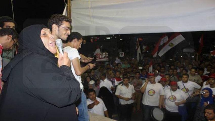 أم محمد الجندي تنضم لمتظاهري طنطا