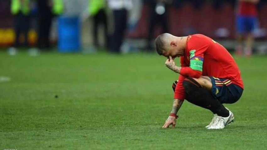 بعد هزيمة إسبانيا| بُكاء راموس يُثير «شماتة» رواد «تويتر».. ومغردون: «ذنب أبو مكة»