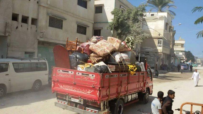 ساحل رفح.. الأهالي ينزحون هربًا من داعش.. وهاتف الدولة غير متاح