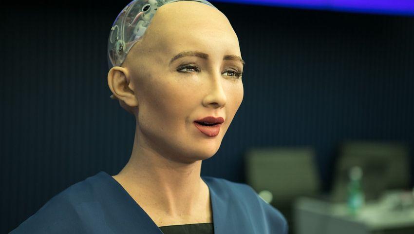 فيديو| بعد تأكيد مشاركتها بمنتدى الشباب.. ما لا تعرفه عن الروبوت صوفيا