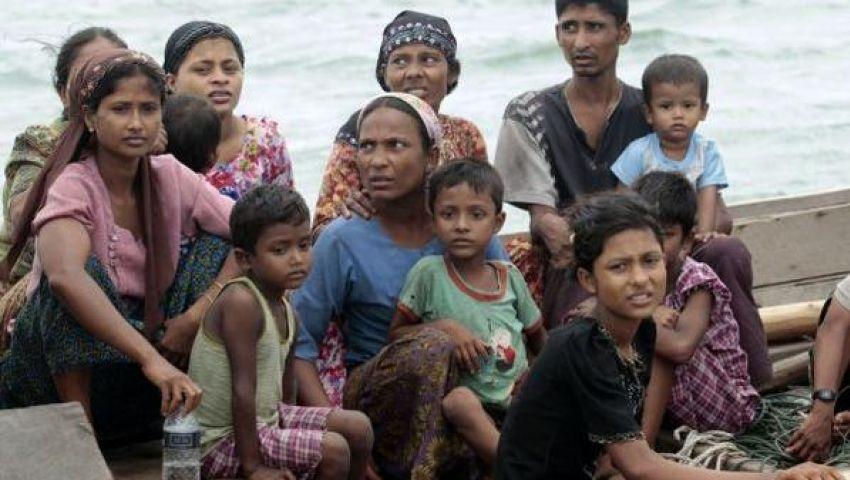ميانمار.. فرار نحو 15 ألف من مسلمي الروهينغيا خلال شهر