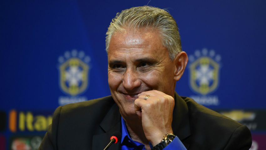 14 % من البرازيليين يختارون مدرب المنتخب رئيسًا للبلاد
