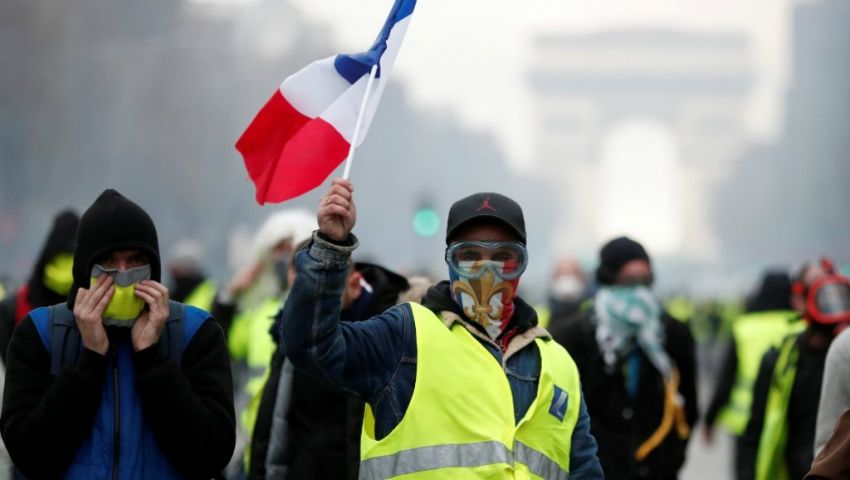 وزير الخارجية الفرنسى يوجه تحذيرًا لـ«السترات الصفراء»