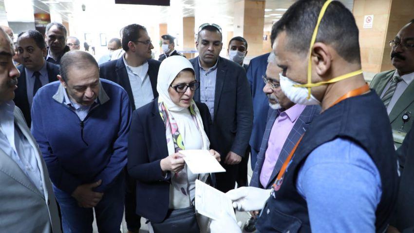 فيديو| بينهم 8 أجانب.. تسجيل 16 إصابة جديدة بكورونا في مصر