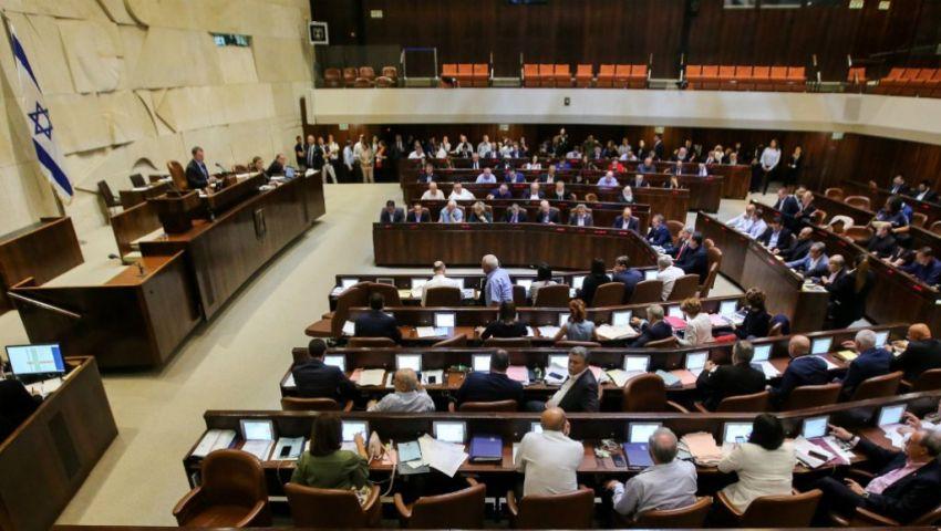 عشية انتخابات الكنيست.. الصراع يحتدم بين «الليكود» و«كاحول- لافان»