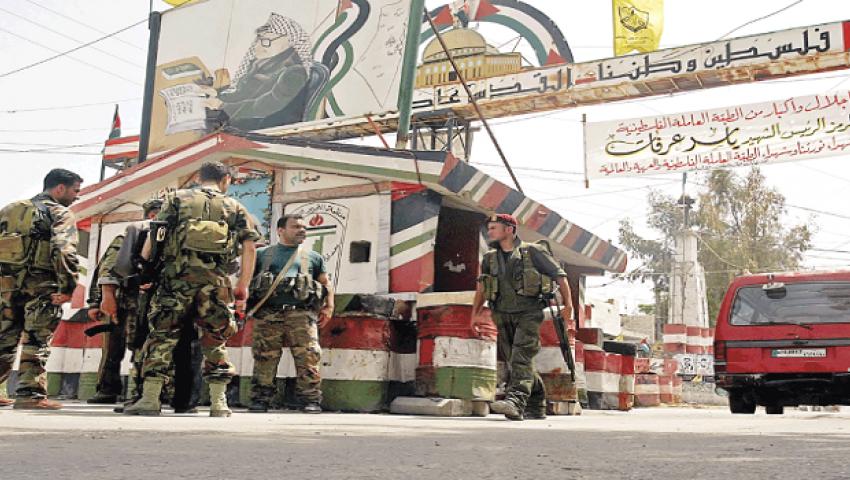 القيادات الفلسطينية تتفق على وقف إطلاق النار بمخيم لاجئين بلبنان