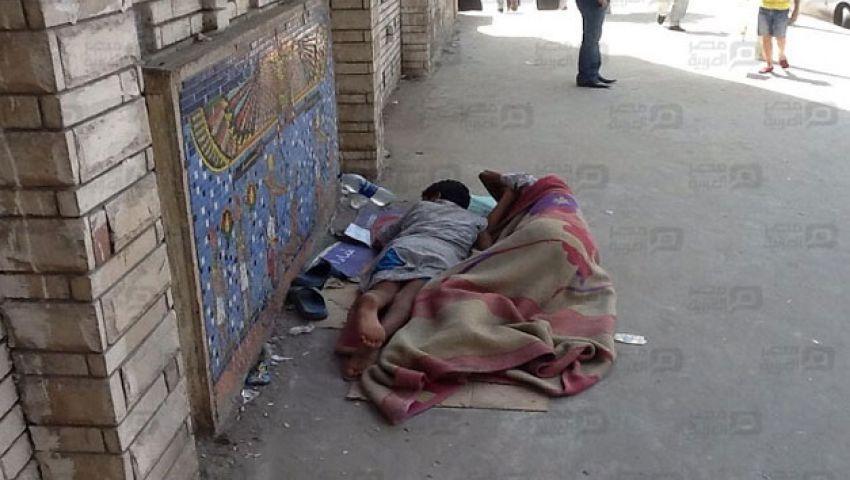 بالصور.. أسوار بيوت طالبات جامعة طنطا مأوى لأطفال الشوارع