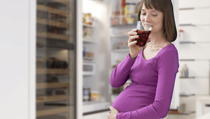 للنساء الحوامل.. هذه المشروبات تساعدك في حر الصيف