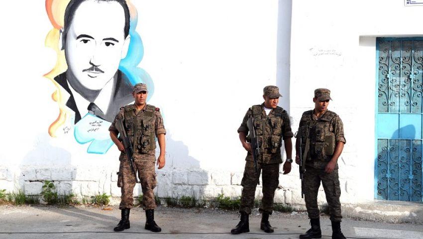 جارديان: المخاوف الأمنية والأزمة الاقتصادية تهيمن على انتخابات تونس