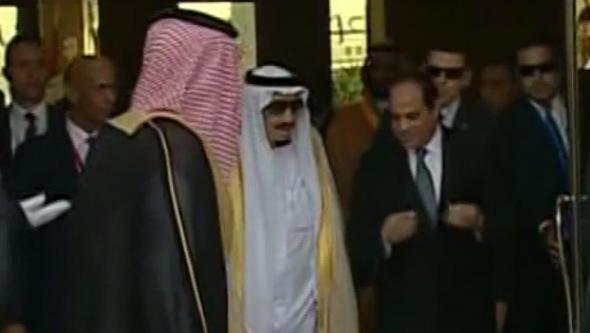 فيديو.. الملك سلمان يغادر مطار القاهرة بصحبة السيسي