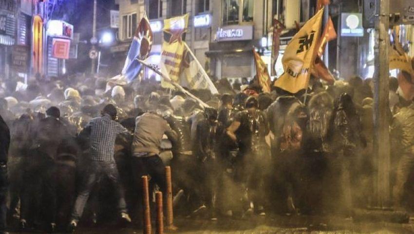 فيديو..مصادمات عنيفة بين الأكراد والشرطة التركية