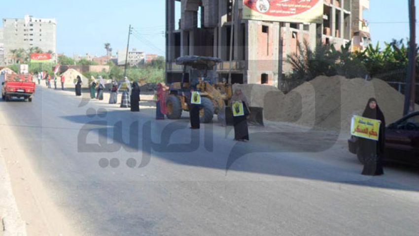 بالصور.. سلاسل بشرية لأنصار مرسي بدمياط