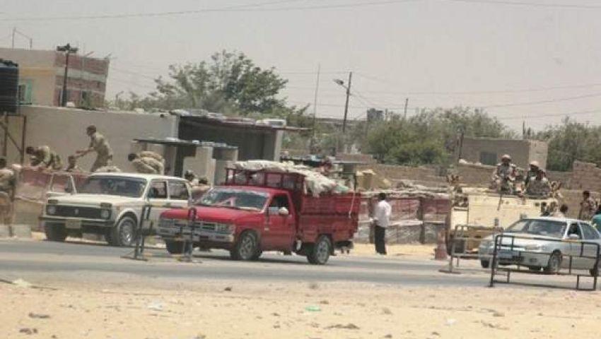 مسلحون يهاجمون حاجزا أمنيا ومعسكرا للجيش بسيناء
