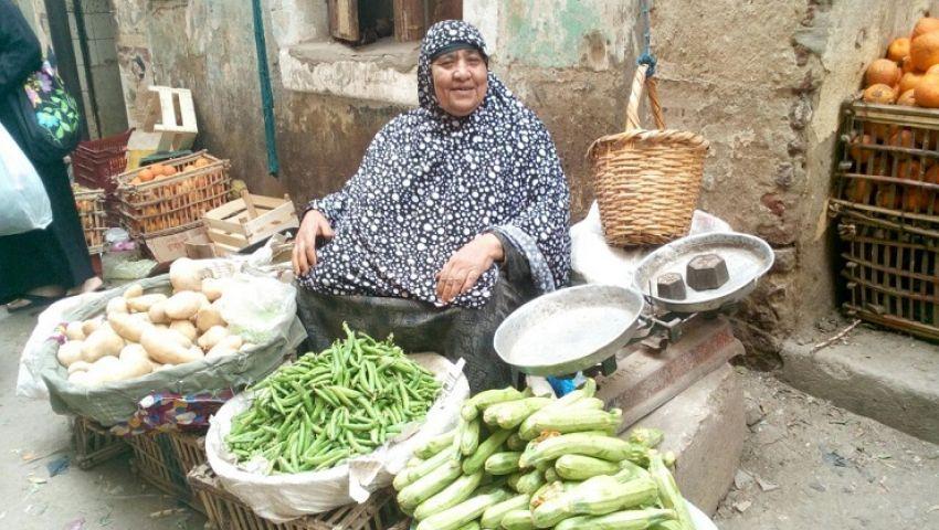 «الأمهات العازبات المصريات».. واحة «افتراضية» لدعم النساء المعيلات