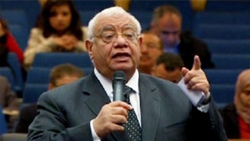 عضو بهيئة الدفاع عن مرسي: لا يجوز التحقيق معه دون حضور محاميه