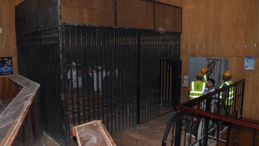 قفص حديدي لمحاكمة مرسي بمعهد أمناء طرة