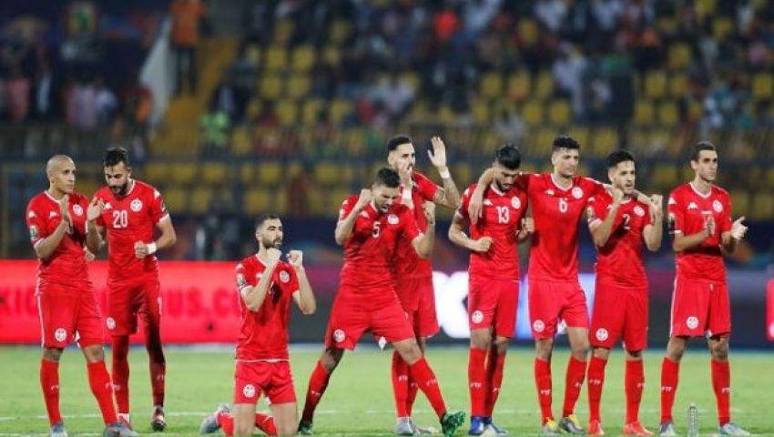 «نسور قرطاج تحلق في السماء».. تونس حديث جماهير الكرة بعد التأهل لربع نهائي أمم إفريقيا