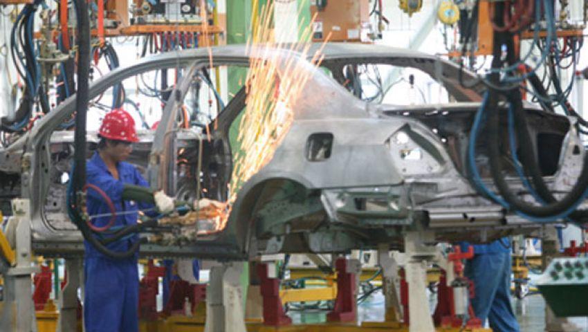 خبراء: تخبط الحكومة أضر بصناعة السيارات