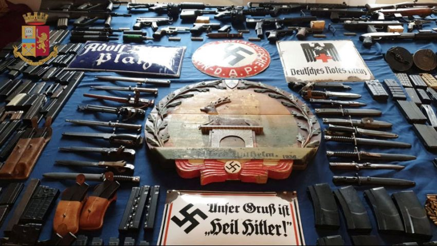 ضبط ترسانة أسلحة لدى النازيين الجدد بإيطاليا..كيف تورطت قطر؟ وما قصة الدولة الثالثة؟