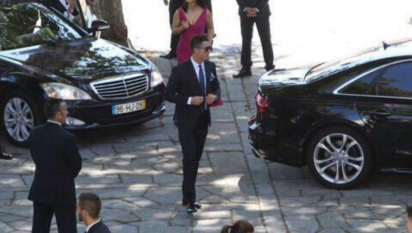 صور.. رونالدو في حفل زفاف وكيله