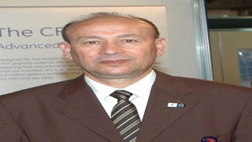 وزير الطيران يتفقد ممر الطائرات بمطار الغردقة