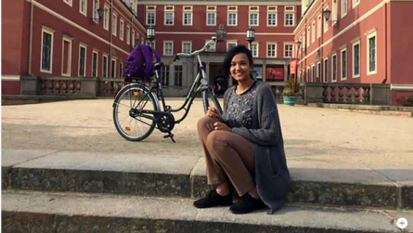 إيمان عادل.. فتاة مصرية تروج لبلدة ألمانية مقابل الإقامة