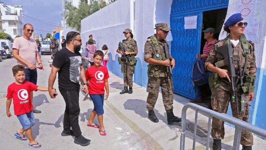 نيويورك تايمز: في تونس.. متى يستفيد المواطن من الديمقراطية؟