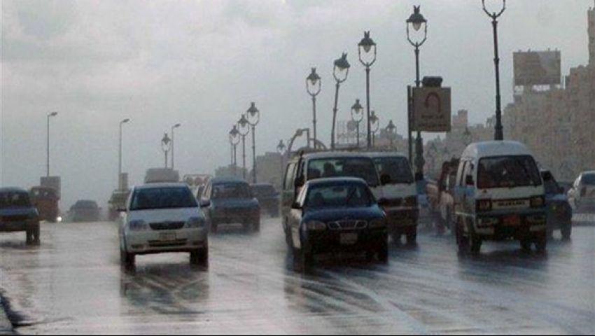 صور| أمطار  على القاهرة وغيوم ورياح .. والملابس الشتوية نصيحة الأرصاد للمواطنين