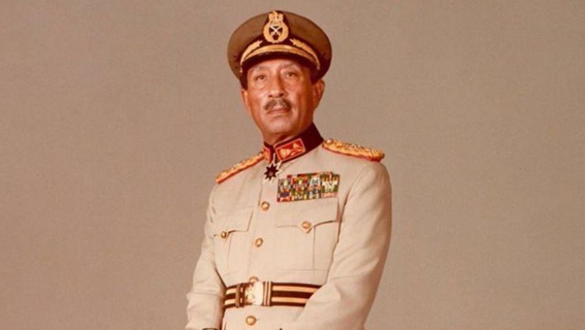 مقطع مصور نادر متداول للحظة تشيع جثمان الرئيس الراحل أنور السادات