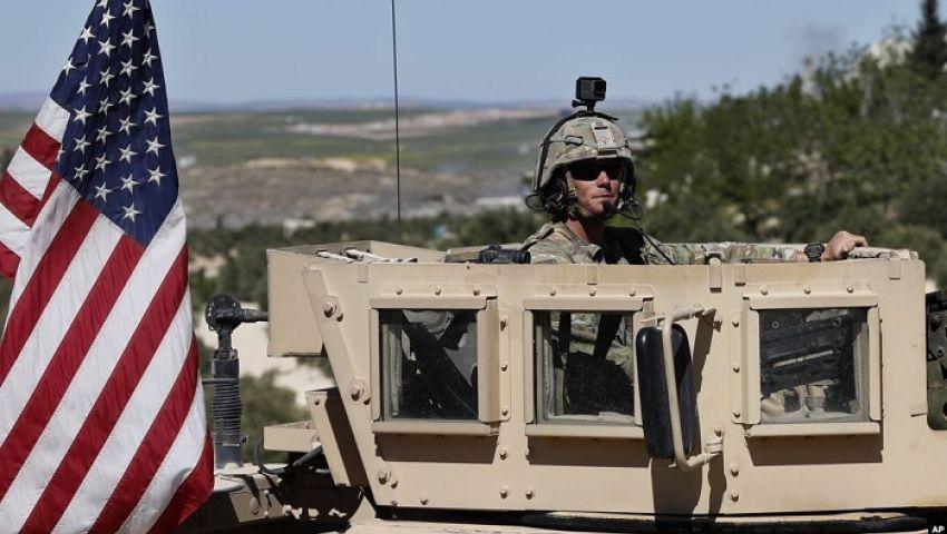 كاتب أمريكي: أعداد القوات الأمريكية بسوريا في صالح داعش