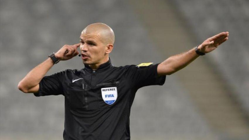فيكتور جوميز.. تعرف على حكم مباراة مصر والكونغو