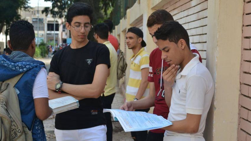 طلاب ثانية ثانوي: الأحياء صعب وغير مباشر والفلسفة سهلة